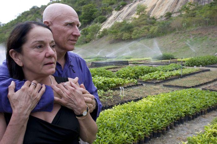 Φωτογράφος και η γυναίκα του φύτεψαν 2 εκατομμύρια δέντρα